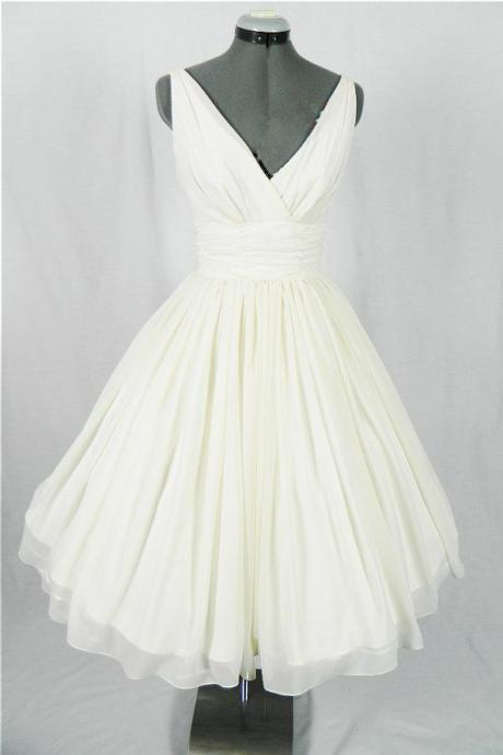 New Arrival V-Neck Ivory Simple Short Wedding Dresses,The Charming Chiffon Homecoming Dress,Wedding Dresses